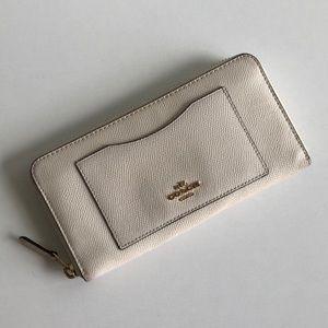 Coach Zip Accordion Leather Wallet